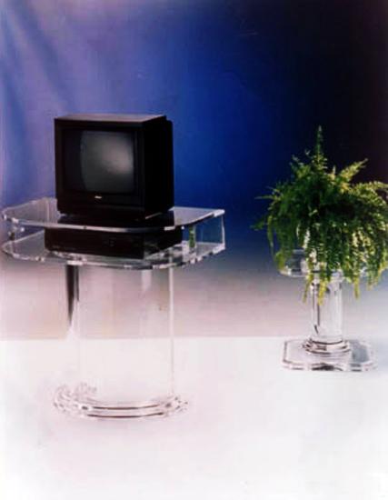 Mobile Porta Tv Plexiglass.Complementi Poliedrica S R L