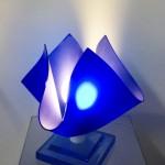 Lampada in plexiglas 'Giglio blu'