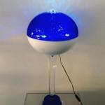 Lampada in plexiglas 'Globo' blu