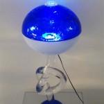 Lampada in plexiglass 'Globo' blu con nodo