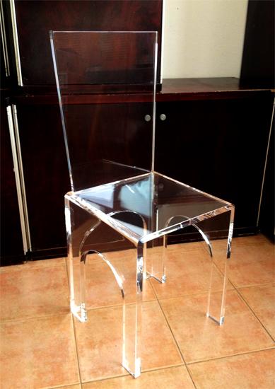 Sedie in plexiglas poliedrica s r l arredamento e for Plexiglass arredamento