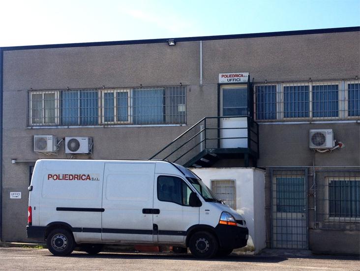 Company working acrylic plexiglass Poliedrica s.r.l.